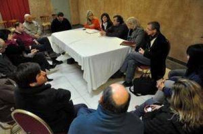 La Asociación Israelita recibió a candidatos del FPV