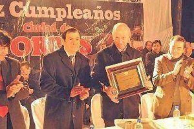 El gobernador encabezó el acto por el aniversario de Forres