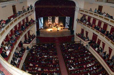 El Teatro 25 de Mayo vivió su Velada de Gala por el aniversario de la ciudad