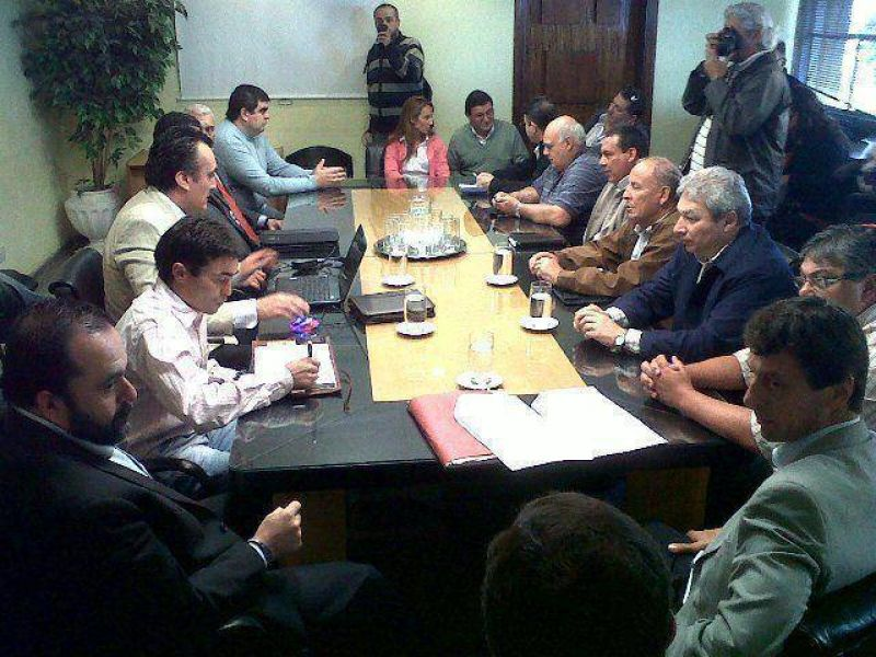 Paritarias: la Intersindical no quiere sumas en �negro� en el salario