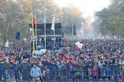 Más de 70 mil personas en la clausura de los festejos