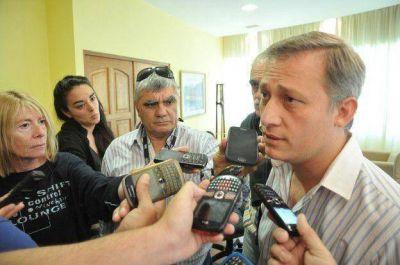Avilés defendió los avances de Carlos Paz Gas y pidió energía