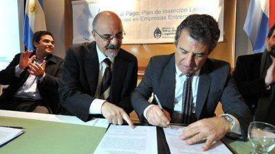 Firman convenio para que jóvenes profesionales vuelvan a Entre Ríos