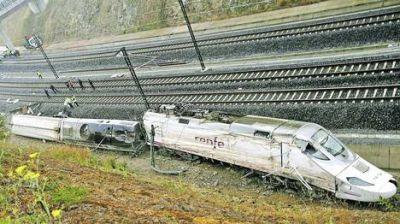El tren descarrilado: Duelo en España y polémica por las causas del accidente