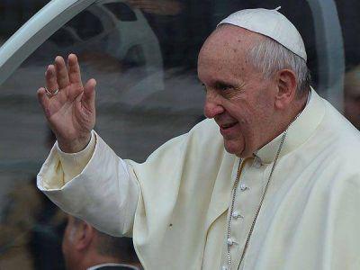 El papa Francisco rezó el Ángelus ante una multitud en Río de Janeiro