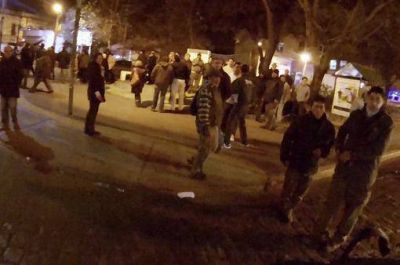 Agreden a militantes de FPV durante un acto de homenaje a Eva Perón