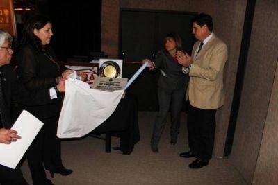 Reconocimiento al Colegio de Odont�logos de la provincia por sus 50 a�os