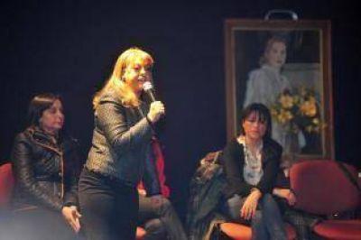 Alperovich evaluó la campaña con un asado, sin sus candidatas