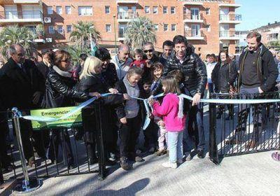 Posse inauguró nuevos juegos en la remozada plaza Lourdes de Beccar