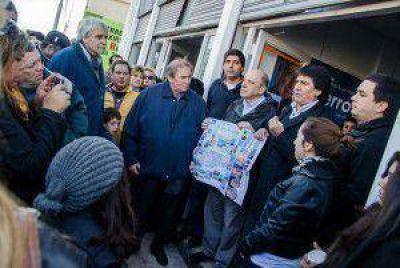 Alejandro Ferro y Pedro Fernández inauguraron un local de AM en el barrio Ameghino