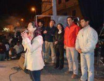 En los valles calchaquíes, Evita Isa recibió el apoyo de vecinos, autoridades y militantes de diferentes sectores políticos.