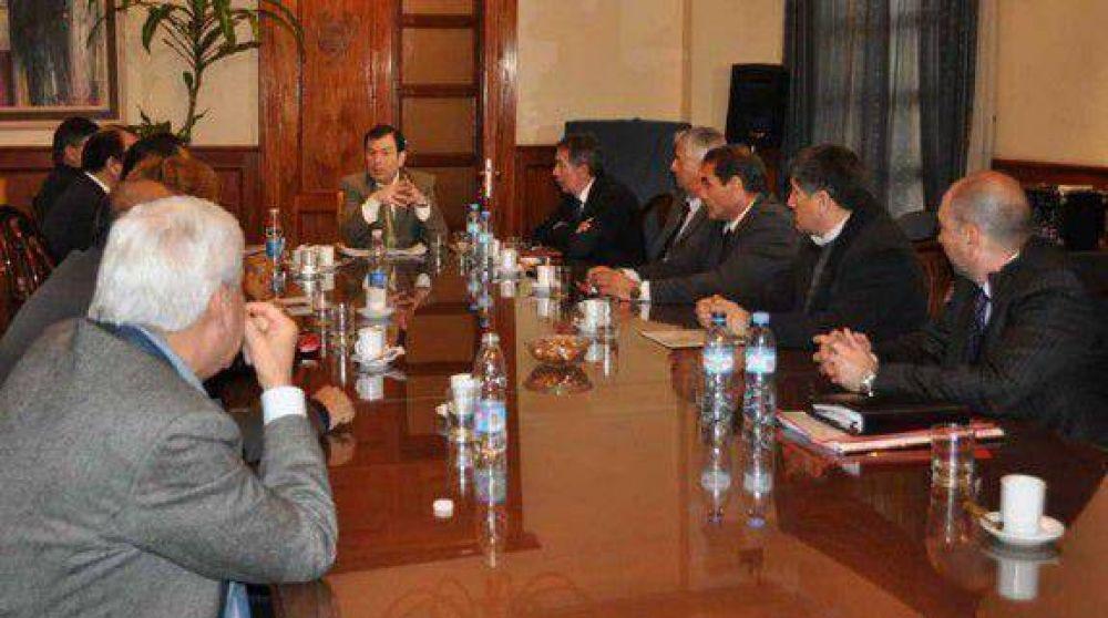 Zamora resolvió medidas que benefician a recursos humanos no profesionales en el ámbito del Ministerio de Salud