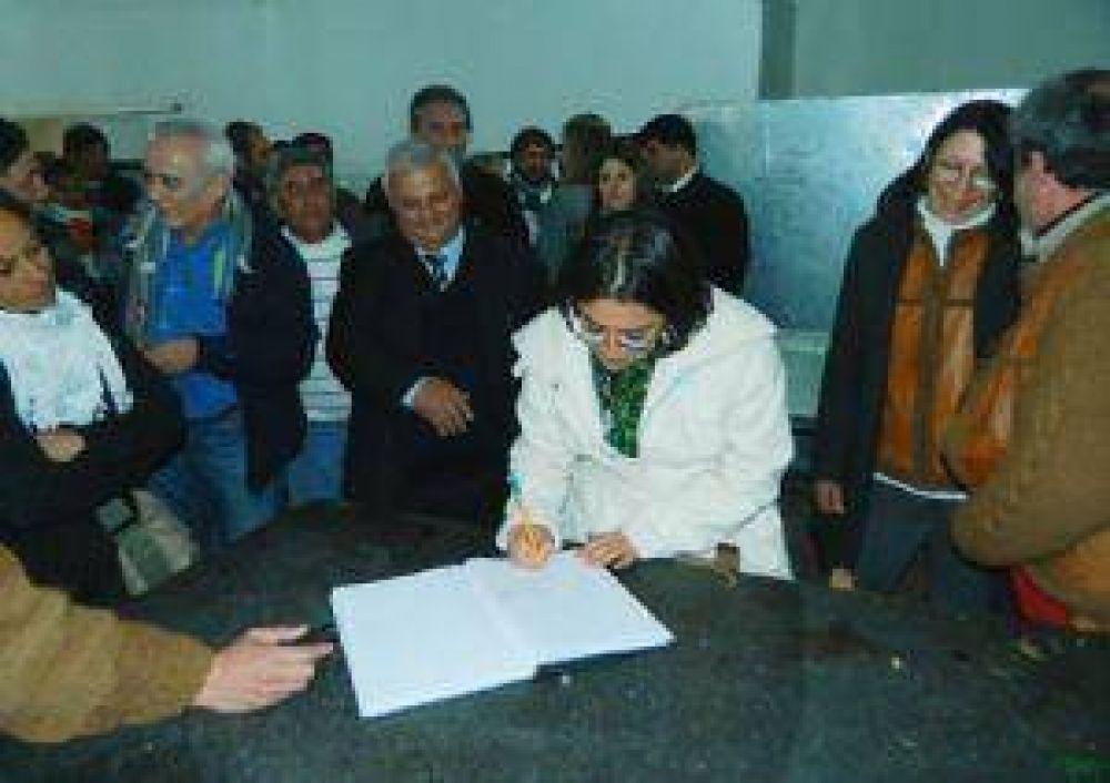 Corpacci inauguró un emprendimiento de curtiembre en el Este provincial