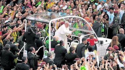 """El adiós del Papa a Río: """"Sigan adelante y no tengan miedo"""""""