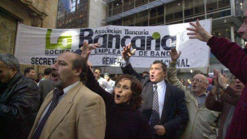 Bancarios reclaman la derogación del impuesto a las Ganancias