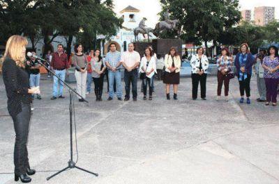 La Municipalidad de Resistencia homenajeó a For Ever en Plaza España