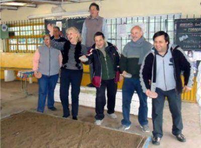 """Betty Vázquez se opone al desalojo del Club """"La Via"""" sito en Jacinto Peralta Ramos y Vértiz"""