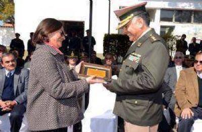 Lucía encabezó acto por el aniversario de Gendarmería