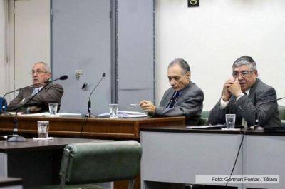 El Tribunal Oral Federal condenó a un ex militar y a dos civiles por delitos de lesa humanidad