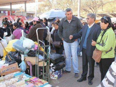 Siguen acciones para liberar espacio público de vendedores