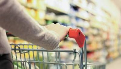 Aseguradoras 'deber�n' comprar bonos para financiar la Supercard al 15% anual