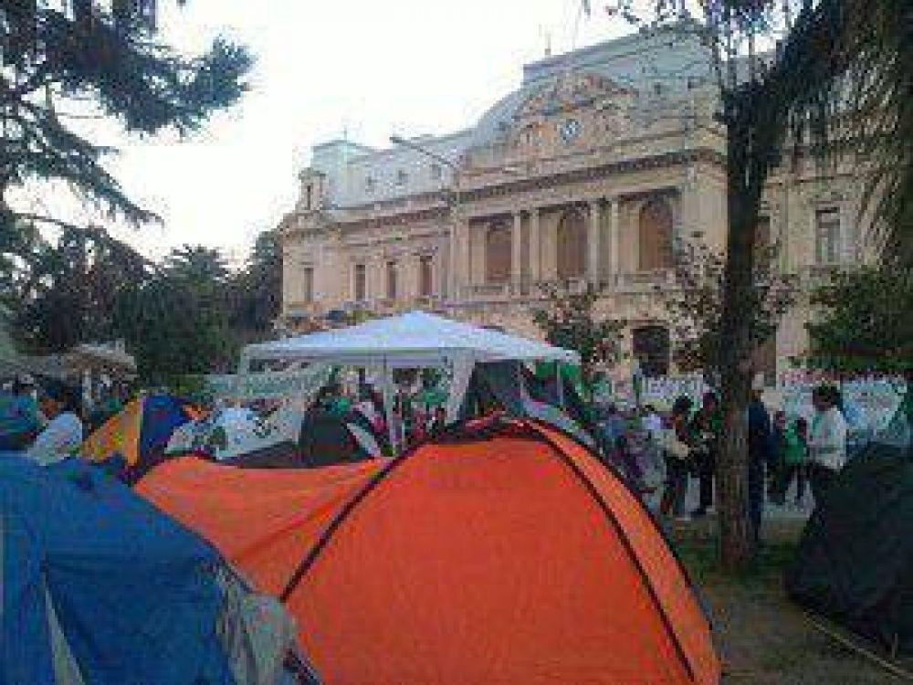 Gremios de la Intersindical de Jujuy profundizaron las medidas de protesta
