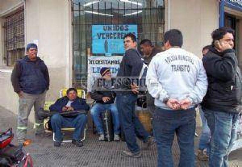 Protesta para pedir la intervención del SOEM