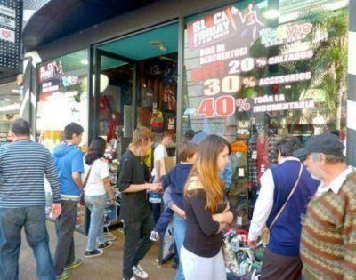 Más de 800 comercios de Posadas ofrecerán descuentos durante el Black Friday