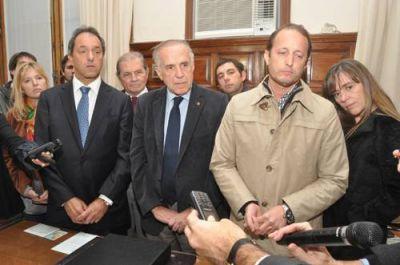 Durante su visita a San Nicolás Scioli ratificó que habrá cambios en la conducción del San Felipe