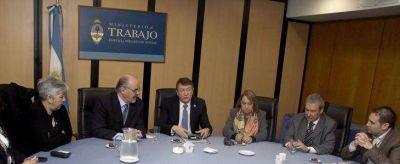 Yauhar y Tomada con las tres CGT de Chubut y los petroleros privados