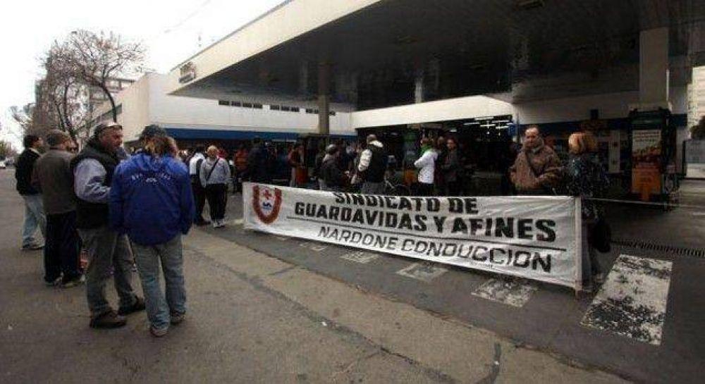 Continúa la protesta del Sindicato de Guardavidas y Afines