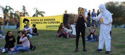 """Recolectan firmas para proyecto de una """"Córdoba No Nuclear"""""""