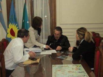El Municipio firmó convenio por un préstamo de 5 millones de pesos