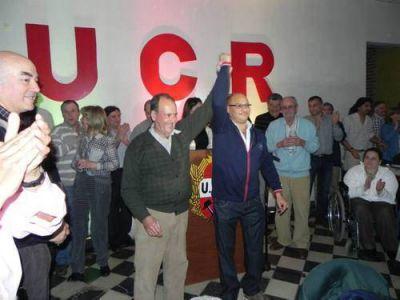 """Esteban Reino cerró su campaña con un acto """"histórico"""""""