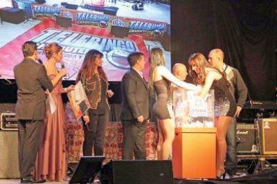 Más de mil personas acompañaron el sorteo extraordinario del Telebingo en Madryn