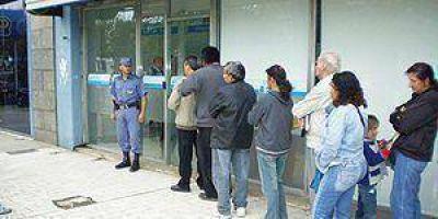Docentes reciben hoy la devolución del Impuesto a las Ganancias