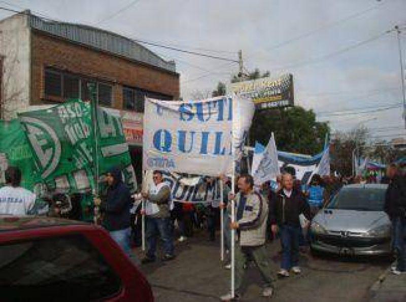 Frente de Gremios Estatales de Quilmes unifican medida de fuerza