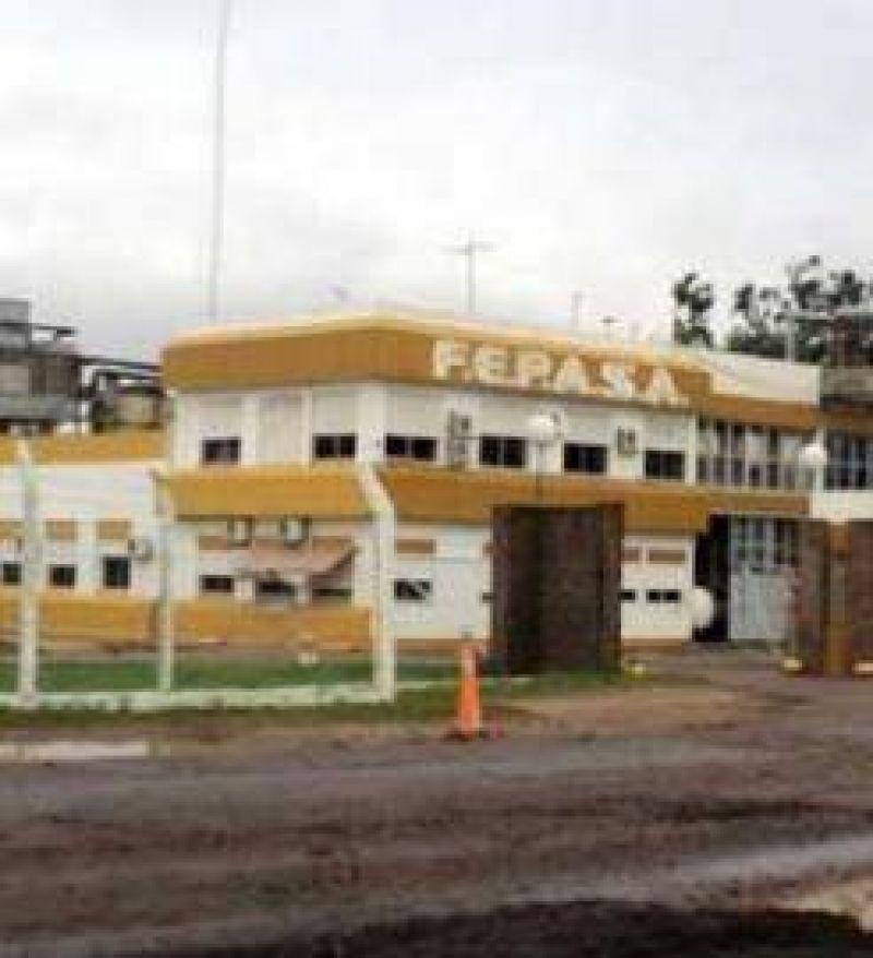 Los trabajadores de FEPASA se negaron a faenar mientras que las autoridades buscan soluciones en Buenos Aires