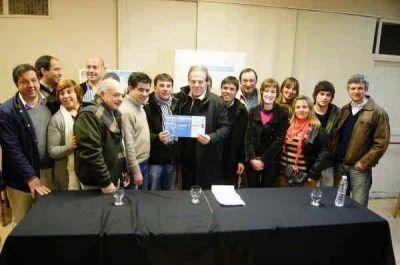 EL MINISTRO ALEJANDRO ARLÍA DIO SU RESPALDO A HERNÁN BERTELLYS
