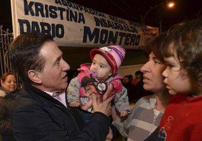 DARÍO CHARLO CON VECINOS DE LANÚS CENTRO Y DE VILLA INDUSTRIALES