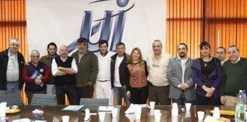 La CGT Avellaneda-Lan�s y los industriales locales mantuvieron una reuni�n de trabajo