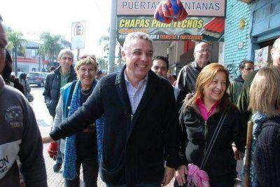 Candidatos del Frente Renovador recorrieron las calles de Tigre