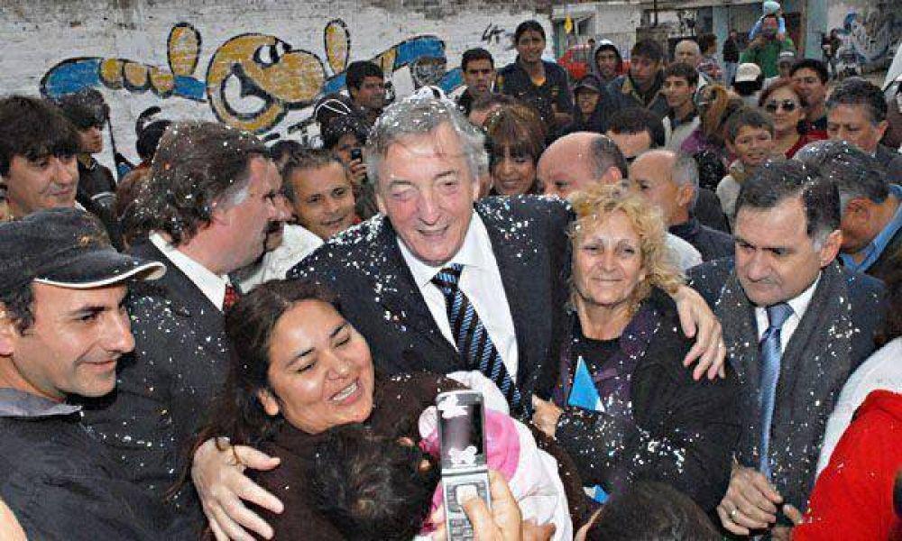 En Quilmes, Néstor Kirchner realiza su primera recorrida como candidato oficial
