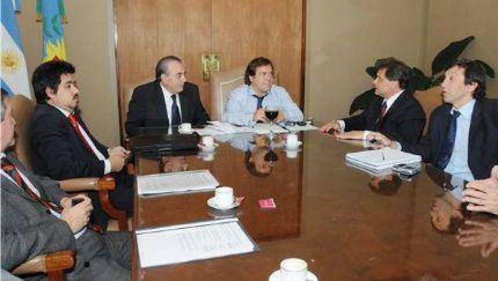 Desde los gobiernos (Provincial y Nacional) comienzan a cumplir : hoy llegan Stornelli y Masa, y el miércoles 20, Cristina