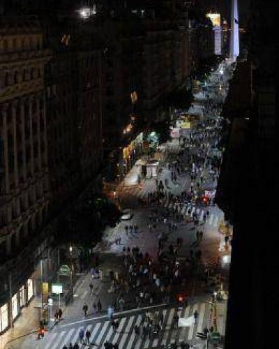 Con duelo nacional y cerca de las elecciones, sectores de la oposición marcharon a Plaza de Mayo