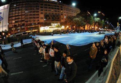 Para los manifestantes, la tragedia de Rosario afectó al #8A