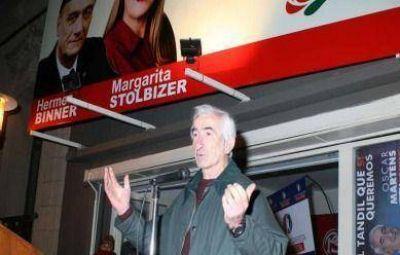 Martens cerr� su campa�a en la calle y con austeridad