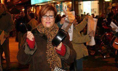 El #8A en Mendoza convocó a muy poca gente y terminó con un acto en la Legislatura