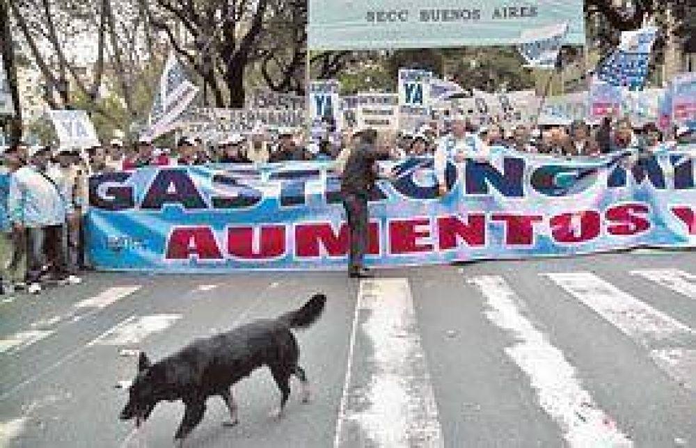 Barrionuevo mostró su poder y les pegó duro a los Kirchner