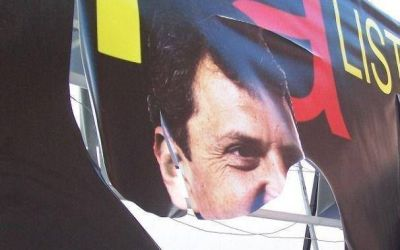 Mar Chiquita: destrozan carteler�a y la comioneta del candidato massista